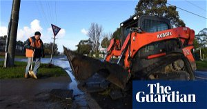 Thousands without power as Victorians assess damage from wild weather