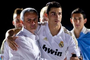 Mourinho makes transfer plea to Ronaldo before joining him in Serie A