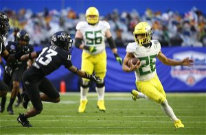 Pac-12 and Big 12 commissioners consider alliances, sources tell AP
