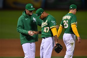 Royals Beat A's to Snap 5-Game Losing Streak