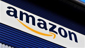 Amazon to offer £3,000 joining fee to attract staff amid Christmas shortage