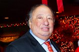 Former Mets and Yankees help John Catsimatidis with turkey hand