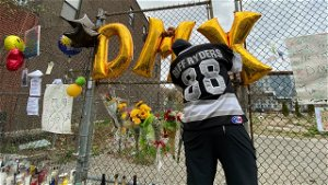Fans Honor and Remember DMX