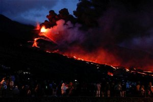 Spain vows to speed up aid to volcano-hit La Palma