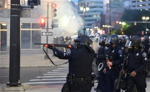 Judge dismisses charges against Detroit police officer accused of shooting rubber bullets at photojournalists