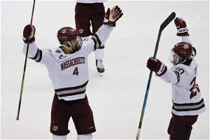 UMass tops St. Cloud State to win NCAA men's hockey title