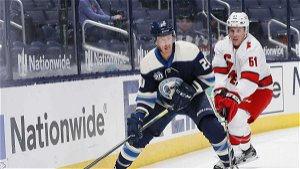 Maple Leafs acquire injured forward Riley Nash from Blue Jackets for draft pick