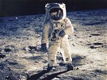 Nasa is 'struggling' to make its deadline to go back to the Moon
