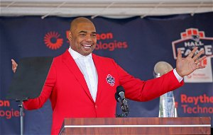 Richard Seymour inducted into New England Patriots Hall of Fame