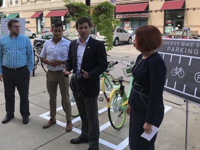 Buttigieg mocked after security seen unloading bike from SUV at White House