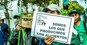 Rural workers stage protest before Argentine Congress in support of Access to Land bill