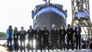 Argentine Armada launches boat without motor or propeller