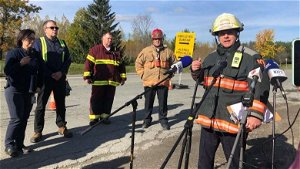 Concern about falling debris slowing rescue of 2 trapped workers at Quebec pulp and paper plant