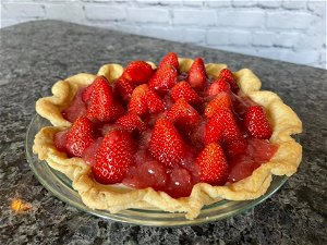 This Strawberry Cheesecake Pie Recipe Is Perfect for June