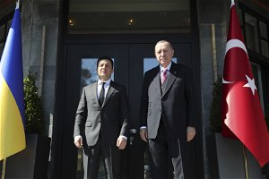 "Turkey's Erdogan calls for end to ""worrying"" developments in eastern Ukraine, offers support"