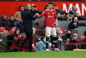 Manchester United Rumors: Ronaldo Pleads With Teammates To Support Solskjaer