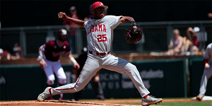 Alabama baseball secures series with Saturday win at Texas A&M
