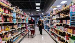 U.S. consumer confidence rebounds; spending plans rise strongly