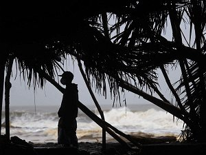 Red alert for six rain-hit districts of Maharashtra; extremely heavy showers expected