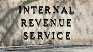 21 House Democrats call for removing IRS bank reporting proposal from spending bill
