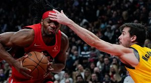 Raptors finally enjoy a victory in Toronto, downing Pacers