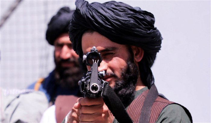 White House says Taliban 'cooperative' in facilitating departure of Americans