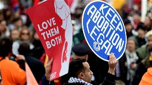 Fewer than 1 in 4 favor overturning Roe v. Wade: poll
