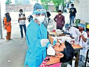 Ahmedabad records 61% rise in daily Covid cases in 2 days, deaths doubled