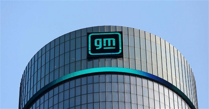 Eying deal, GM softens on tough standards for car pollution