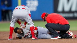 Angels OF, Cubs World Series hero Dexter Fowler carted off