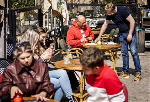 Brussels café managers ask for security guards following stabbing over vaccination proof