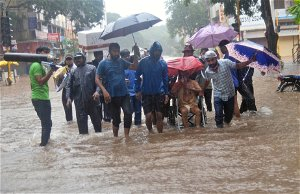 India flooding: At least 125 dead after torrential rain triggers monsoons and landslides