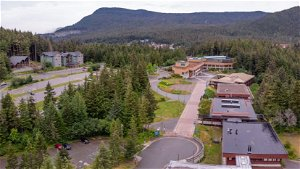 UAA students living in dorms must be fully vaccinated against COVID