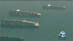 Record number of container ships waiting to enter ports of Los Angeles, Long Beach