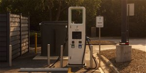 Rush to Build EV Charging Stations Comes Without Promise of Profit