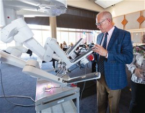 Doctor honored with 1,000 robotic procedure - Odessa American