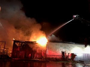 Large fire breaks out at Modesto lumber yard