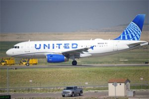 United Airlines to lay off nearly 600 workers who refused to get vaccinated