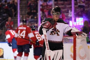 In search of answers, winless Coyotes draw Lightning