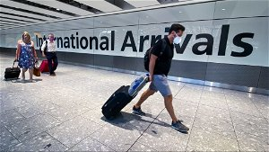 England lifts quarantine for fully vaccinated travellers from France