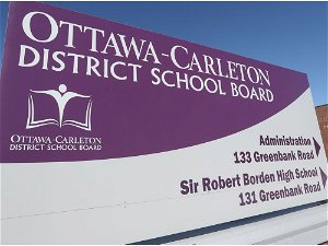 Ottawa's largest school board allows teachers to wear any approved mask