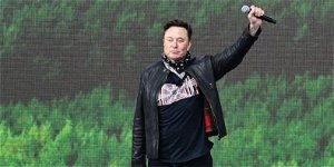 Elon Musk reclaims the world's richest person title from Jeff Bezos as Tesla's stock hits an 8-month-high