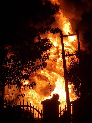 3 dead in OPIC Plaza gas tanker fire, 25 vehicles burnt