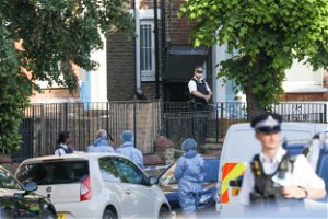 Islington shooting: Murder inquiry after teenager shot in head in broad daylight
