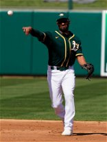 AP source: Semien, Blue Jays agree to $18M, 1-year contract