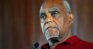 Official: 1960s civil rights activist Robert Moses has died