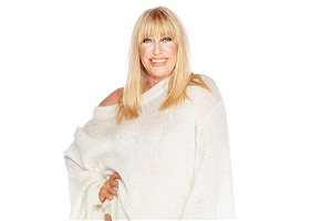 Suzanne Somers shows off her toned legs in 75th birthday photo shoot