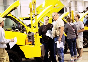 Annual auction: Buyers snap up items Pittsburgh airport travelers leave behind