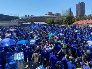 'Vote with your head' - DA leader John Steenhuisen urges voters at DA 's final rally