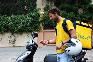 As EU eyes 'balance' on precarious gig work, Glovo offers pledge of 'fairer' conditions for couriers